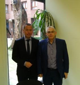 Firma del convenio de colaboración entre la Asociación FEVASER y la empresa GAURSA.